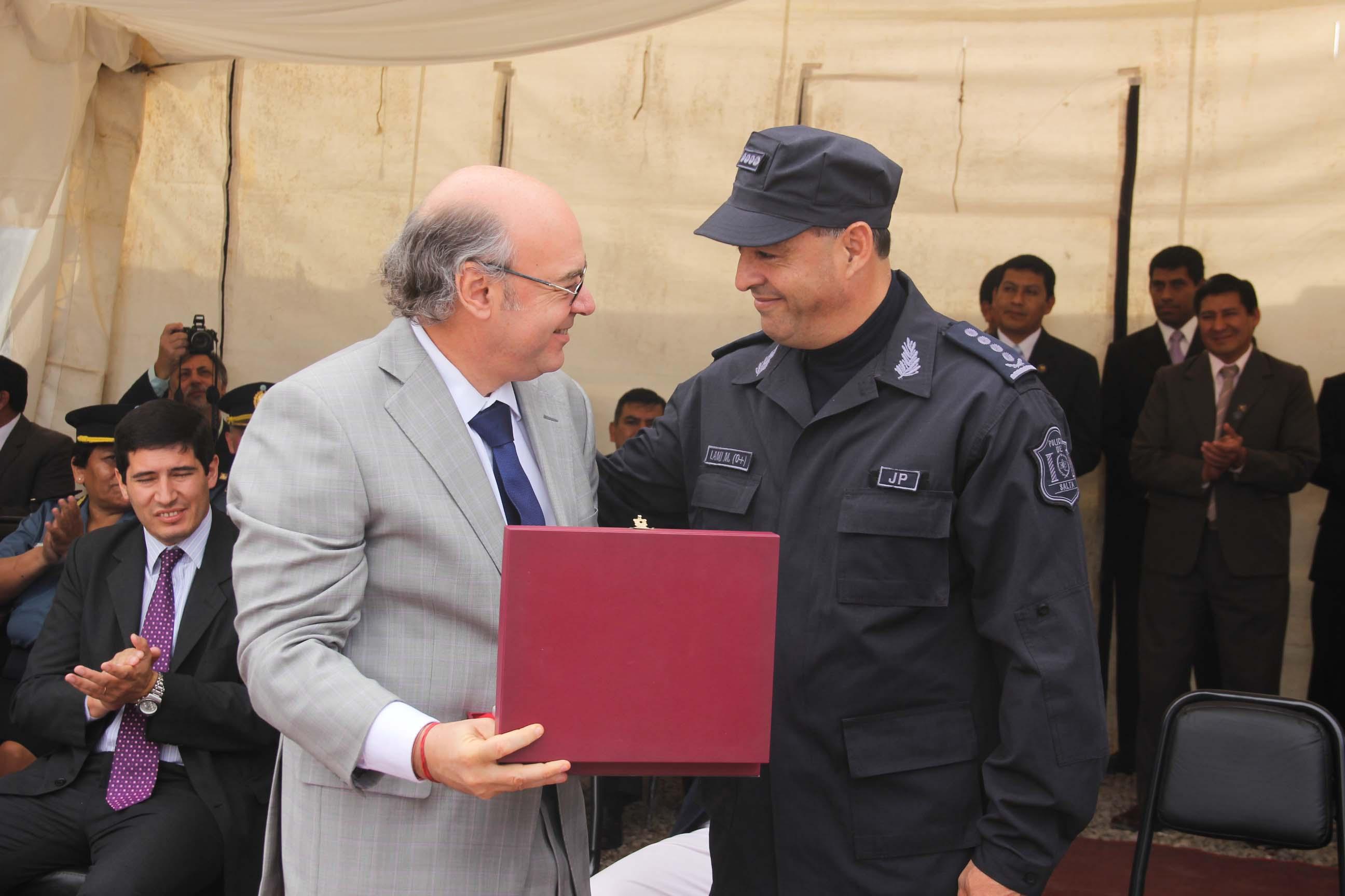 Album de Fotos: Reconocimiento de la Dirección General de Drogas de Salta a Abel Cornejo