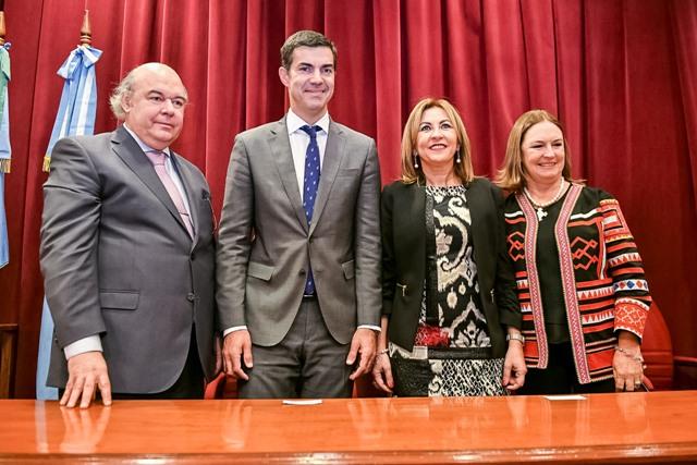 Album de Fotos: Juramento del Dr. Abel Cornejo como Procurador General de la Provincia