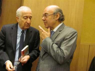 Foto: Bernardo Kliksberg junto al juez de la Corte, Abel Cornejo.