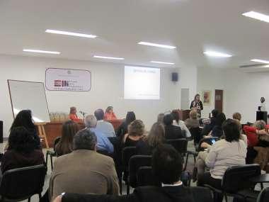 Foto: María Fernanda Rodríguez expuso sobre capacitación en situaciones de vulnerabilidad