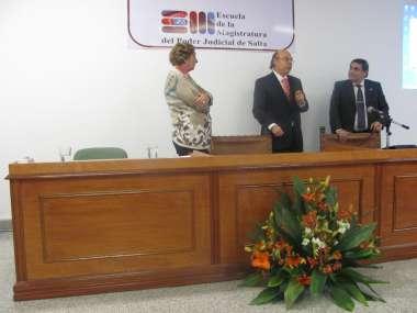 Foto: María Eugenia Bona, Abel Cornejo y Sergio César Santiago en el acto de clausura
