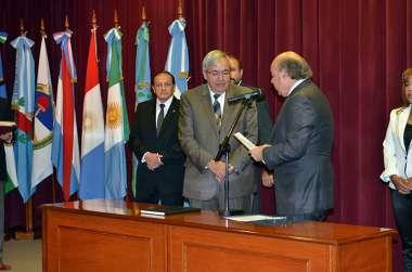 Foto: El presidente de la Cámara de Diputados, Manuel Santiago Godoy, juró como consejero