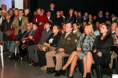 Foto: Funcionarios provinciales, nacionales, familiares y amigos se dieron cita a la convocatoria.
