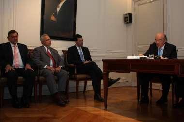 Foto: Juan Manuel Urtubey, Juan Carlos Romero y Miguel Isa acompañaron a Abel Cornejo