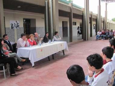"""Foto: Dr. Abel Cornejo en charla """"La Justicia sale a las Escuelas"""""""