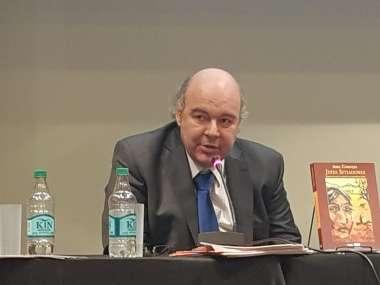 Foto: Abel Cornejo durante su presentación.