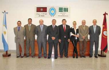 Foto: Los jueces de Corte, Abel Cornejo y Fabián Vittar, junto a los Consejeros de la Escuela