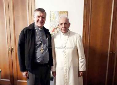 El obispo de Orán junto al papa Francisco