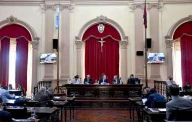 El Senado sesionó en forma presencial la última semana.
